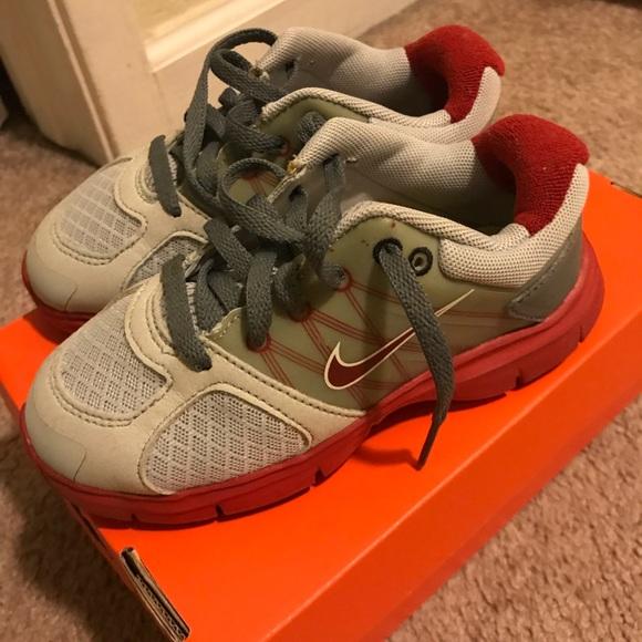 Boys Nike Flex Supreme Sneakers M 5aae02b231a3767500af39